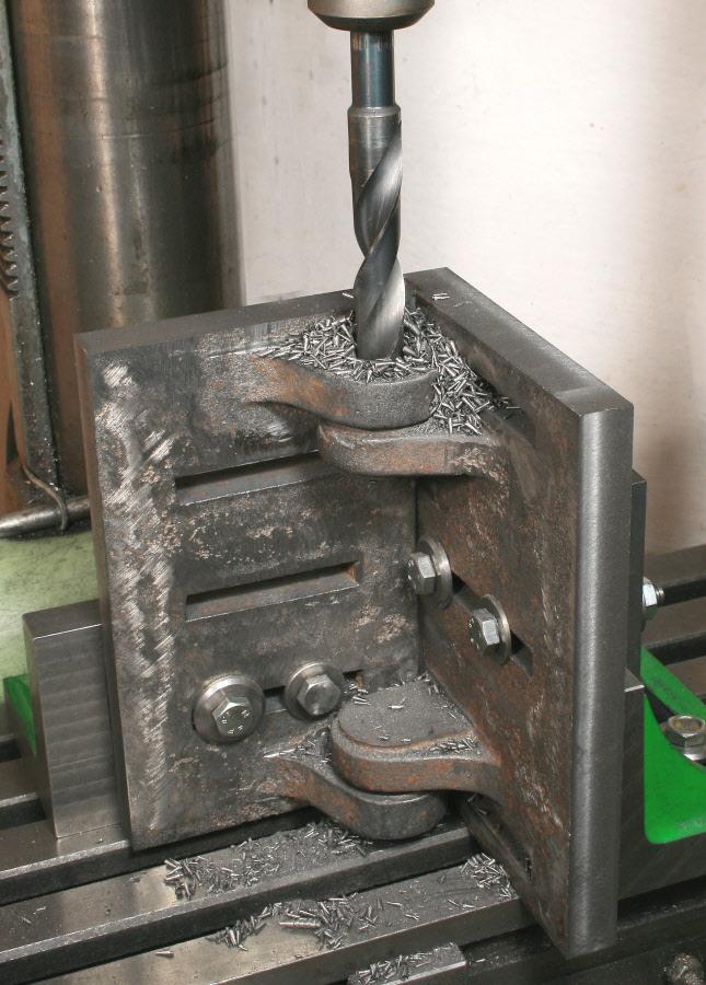 Angleplatesetups In The Metalworking Workshop