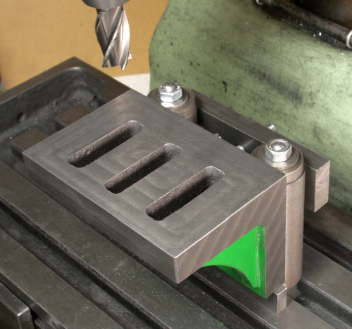 Angle plate machining using a cylindrical square.