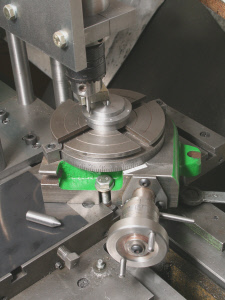 Rotary table. using with lathe mounted milling head.